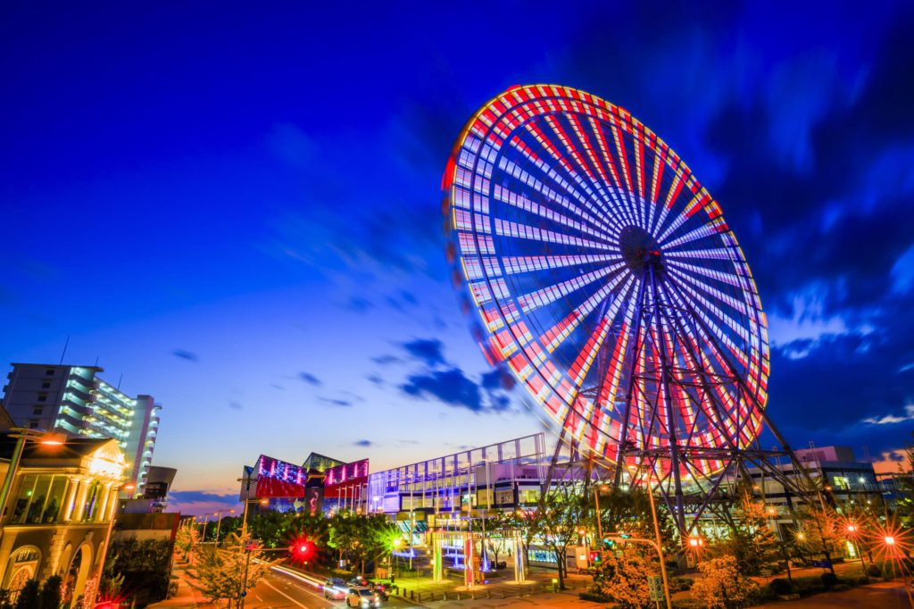 The Tempozan Ferris Wheel near the Osaka Aquarium in Japan