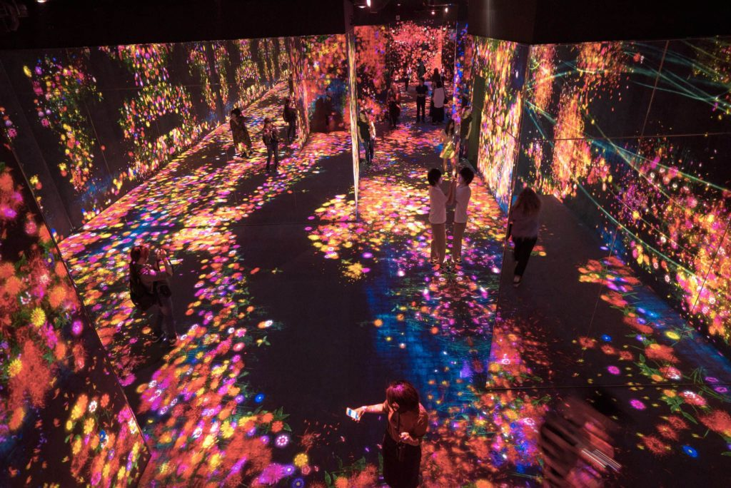 Mori Building Digital Art Museum teamLab Borderless Tokyo Japan
