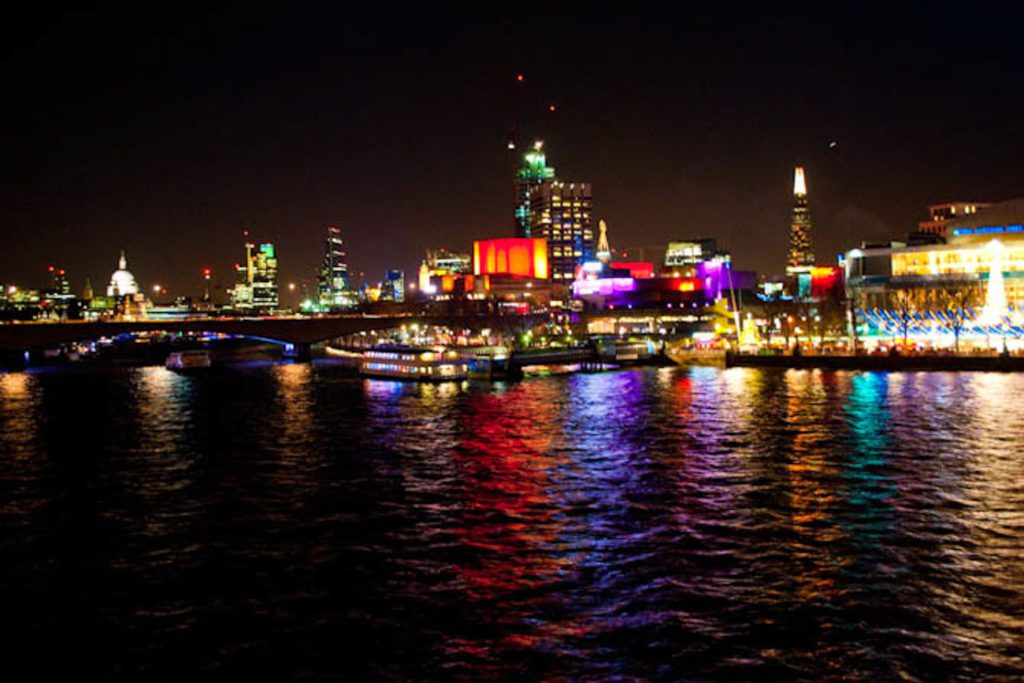 London Thames Christmas Market