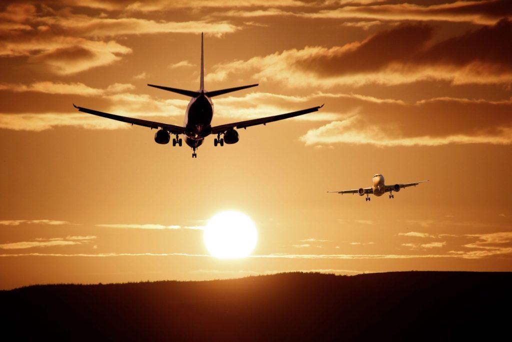 Plane take off landing