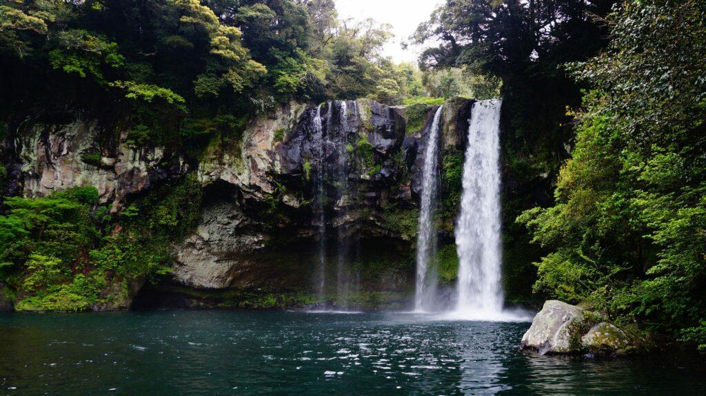 cheonjiyeon waterfall jeju island South Korea