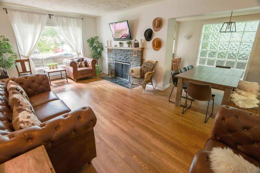Best Airbnb Banff house:
