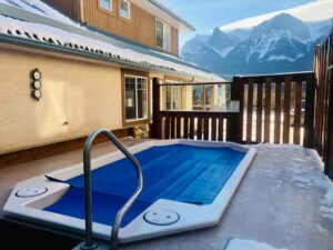 Best Airbnb Banff with hot tub