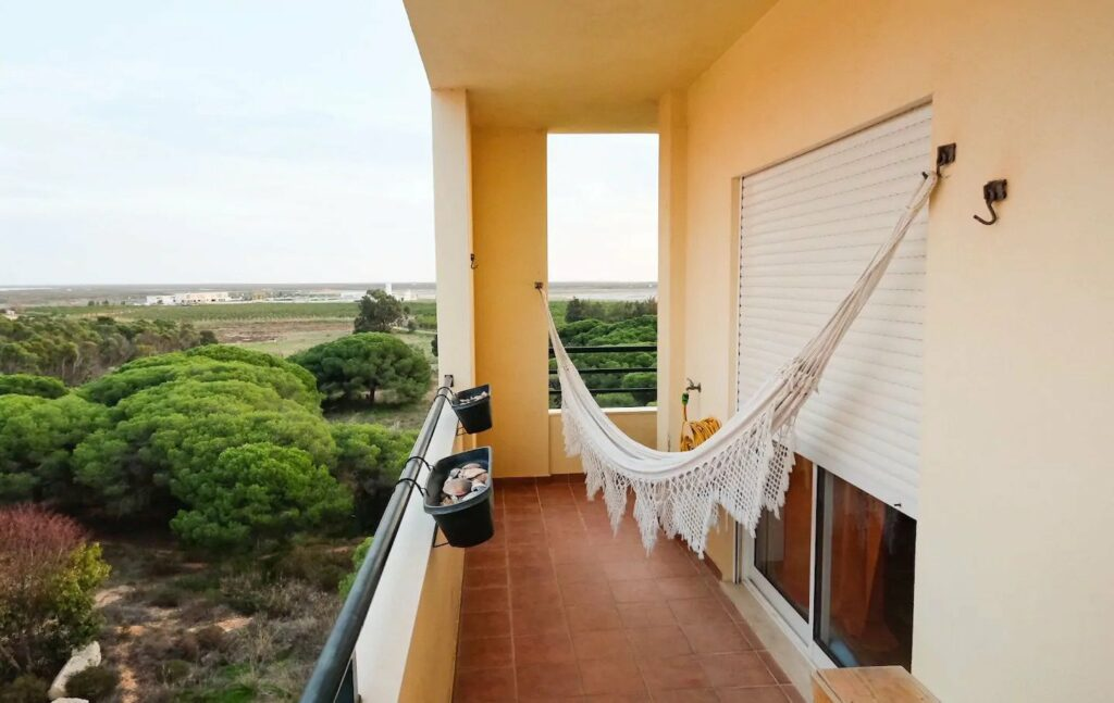 one of the best Airbnbs near Faro airport