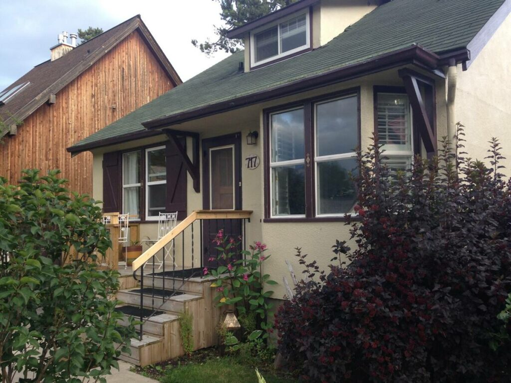Cheap airbnb in Jasper for couples