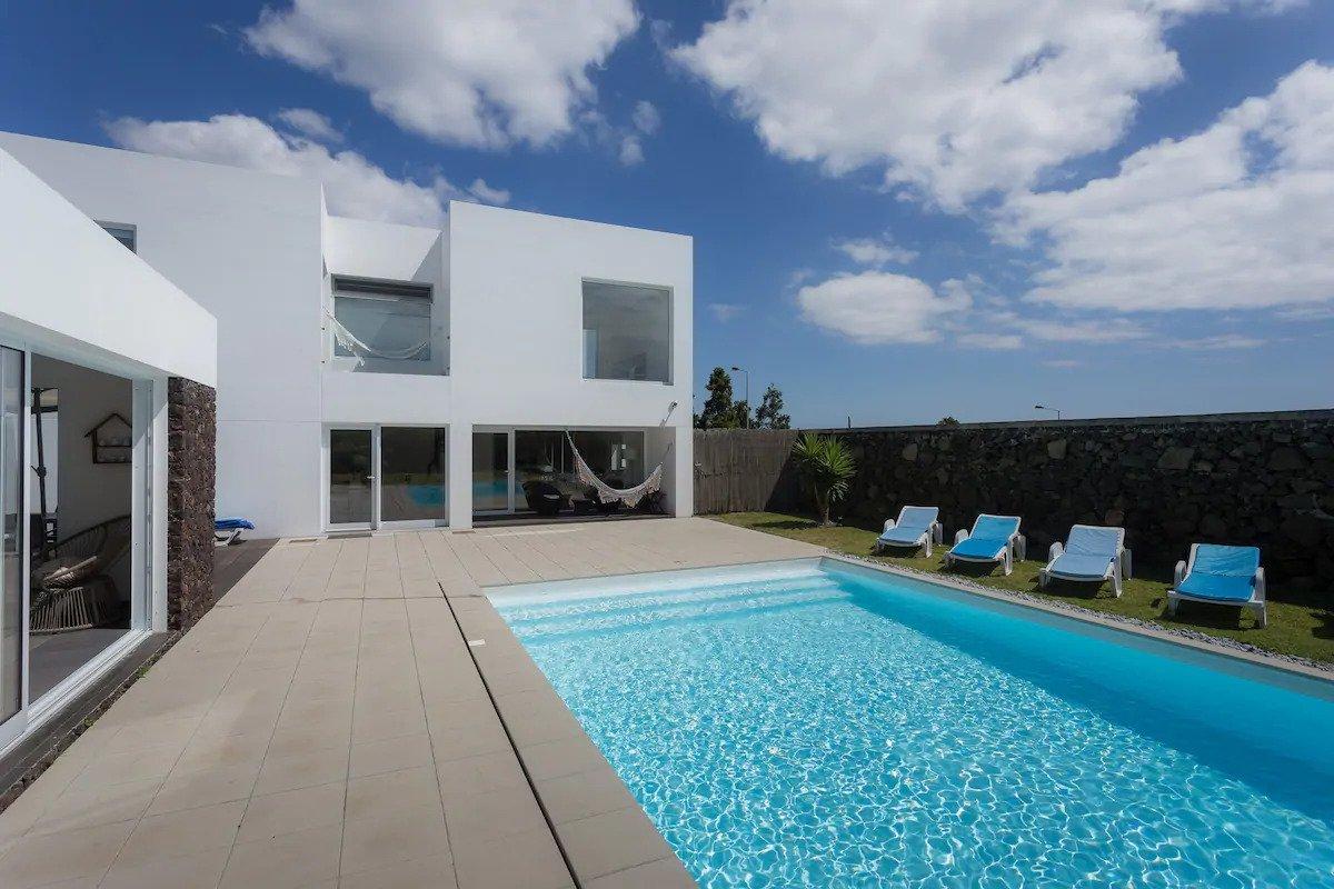 Great Airbnb villa in Ponta Delgada