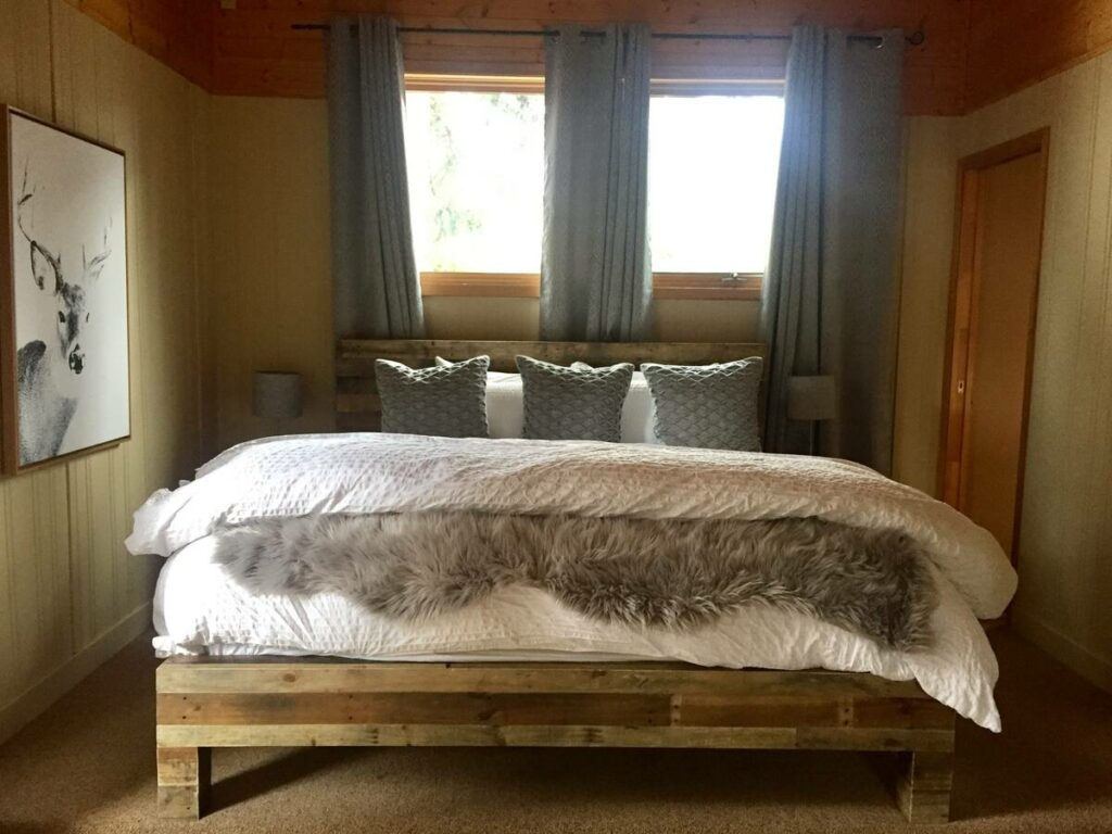 Amazing Canmore Airbnb with private hot tub