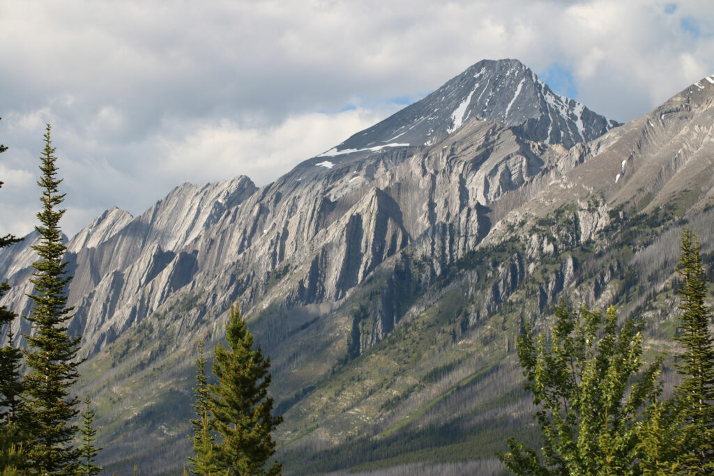 Impressive mountain views seen from the Watridge Trail in Kananaskis