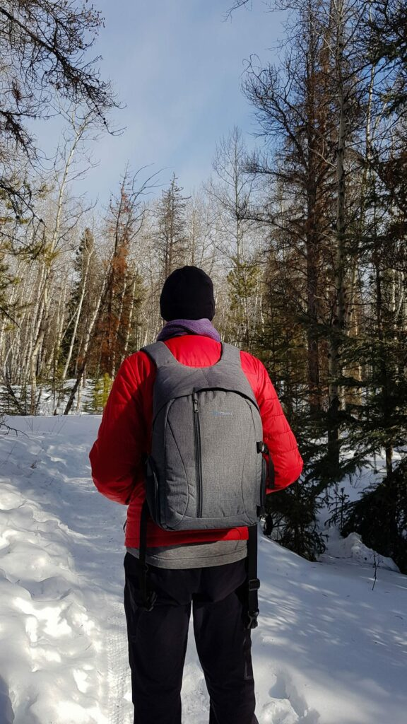 A beautiful and easy winter hike in the provincial parks of Kananaskis