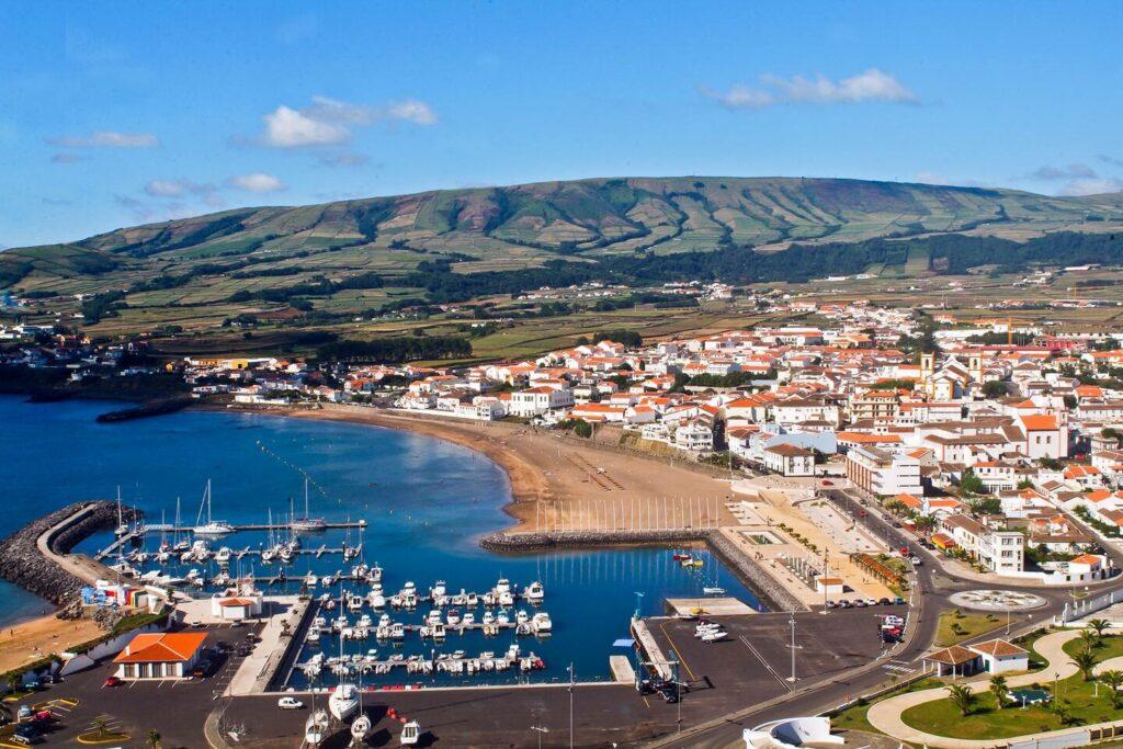 Great Airbnb near praia de vitoria on Terceira island