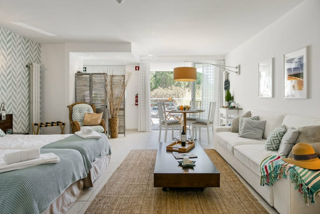 Airbnb with Jacuzzi in Tavira