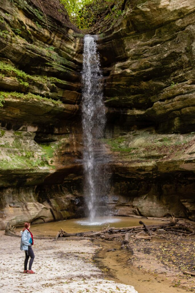 The St. Louis Canyon waterfall in Starved Rock State Park, Illinois