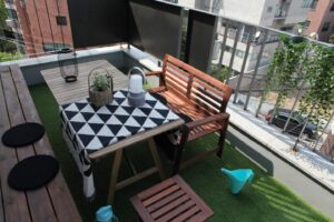 Great Airbnb in Seoul with balcony