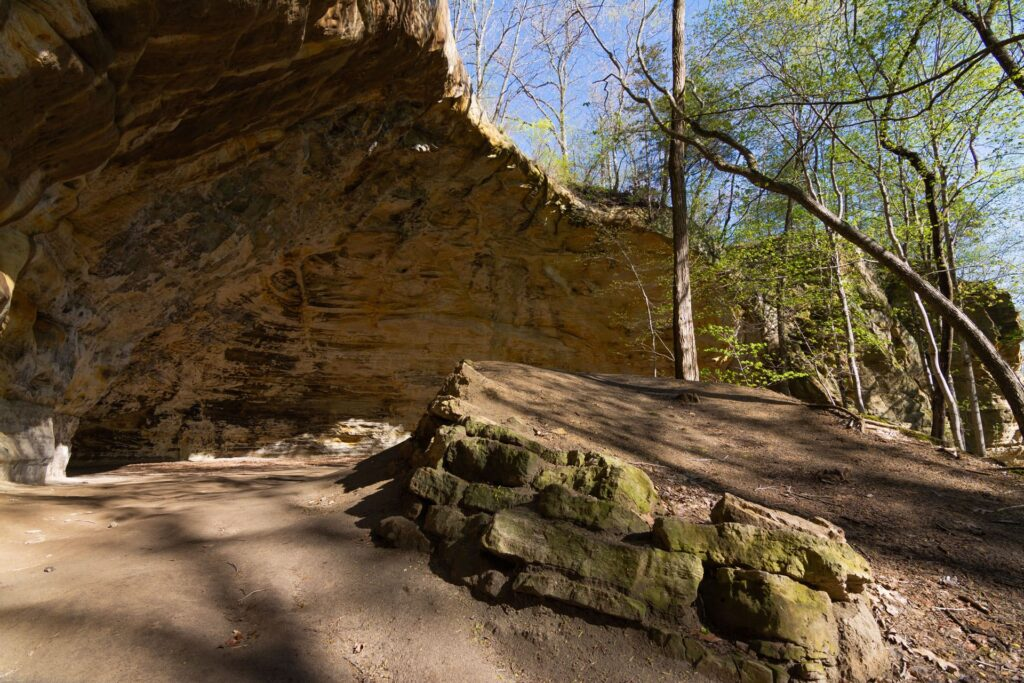 The Council Overhang in Starved Rock State Park