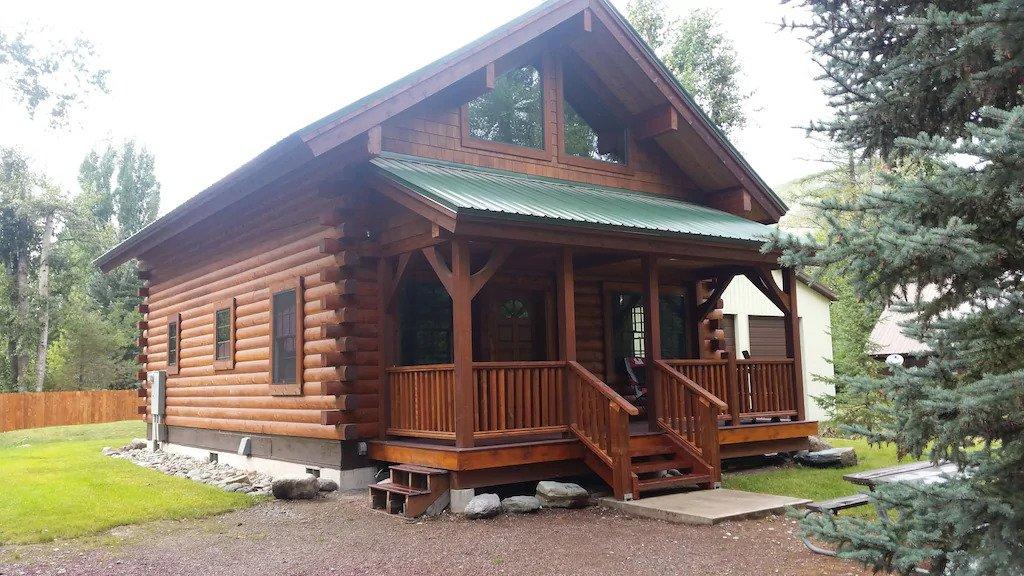 Great VRBO cabin near Glacier National Park