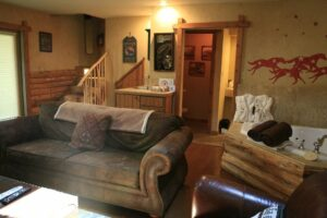 dog-friendly cabin near Starved Rock