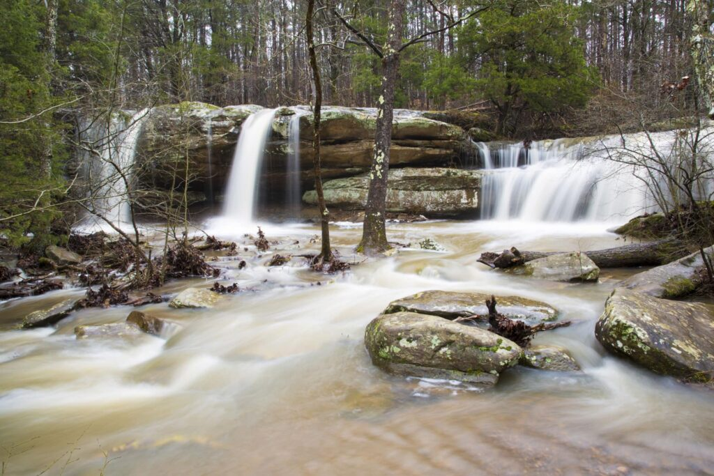Burden falls are one of the best waterfalls in Illinois