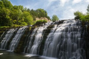 Thunder bay falls is one of 2 amazing waterfalls near Galena in Illinois